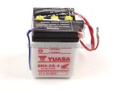 Accu 6 volt 4 ampere, C50, CB50, zuur accu, Yuasa, origineel Honda