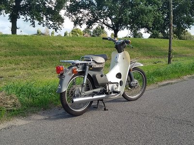 Honda C70 Japanese, gray, 6785km, with papers!